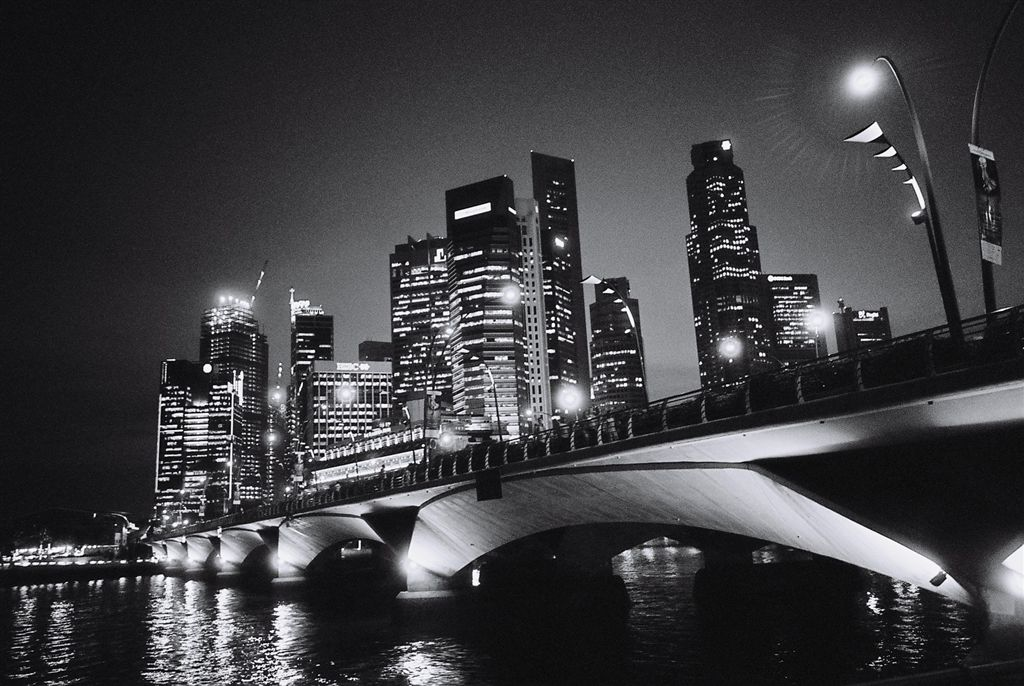 singapore_business_district_night_view